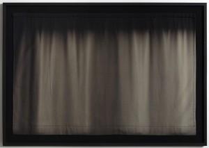 Mørklægningsgardin #3 Camilla Rasborg, 2013 Bomuldstekstil bleget af sol, indrammet 114x165 cm
